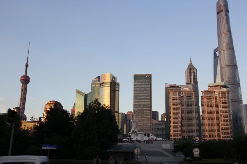 Skyline von Shanghai im Abendrot