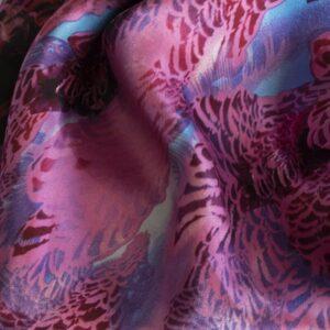 Charmeuse bedruckt Federn rot