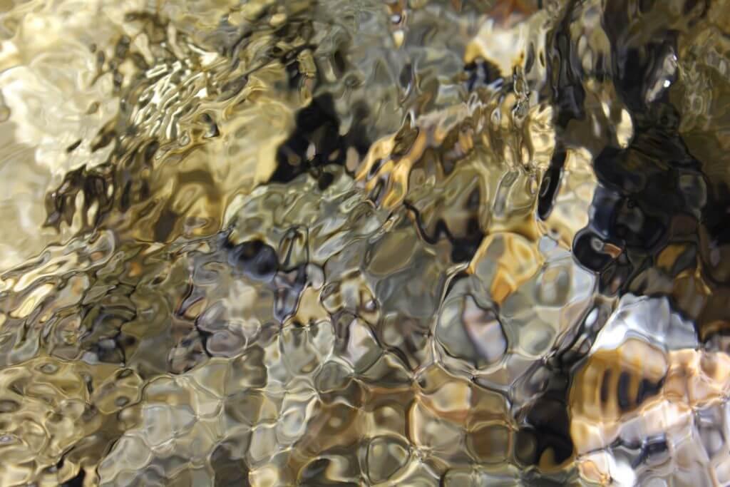 Steine im Averser Rhein
